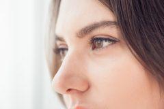 団子鼻の悩み解消! 美人鼻の作り方&魅力を活かすメイク